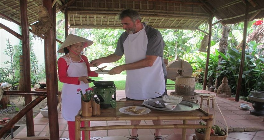 cooking in hoi an