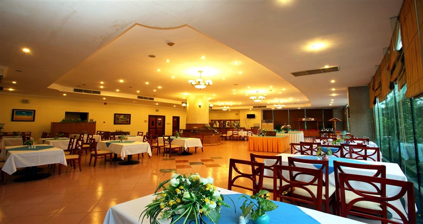 recommended restaurants in halong