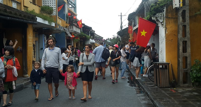 tips for vietnam family tour with kids