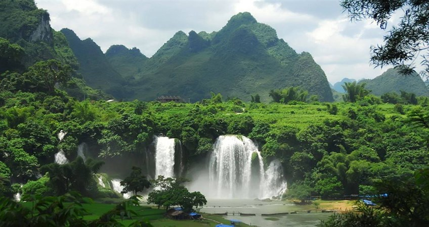 ban gioc waterfall in cao bang