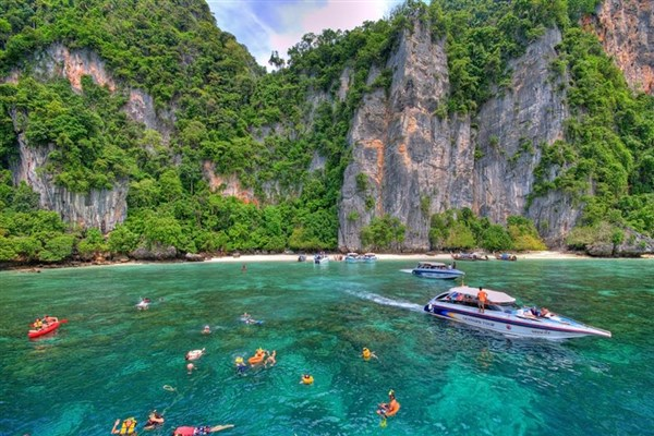 11 Reasons Why Everyone Should Visit Thailand At Least Once