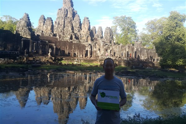 How many days to visit Angkor?