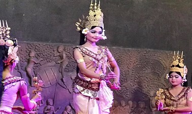 Apsaras Dinner Show in Siem Reap