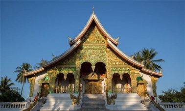 Visit the temples in Luang Prabang