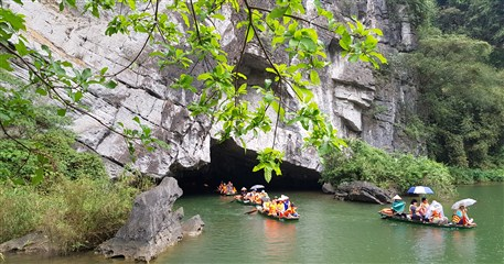 NB02: Hoa Lu Ancient Capital - Trang An - Mua Cave - 1 day from Hanoi