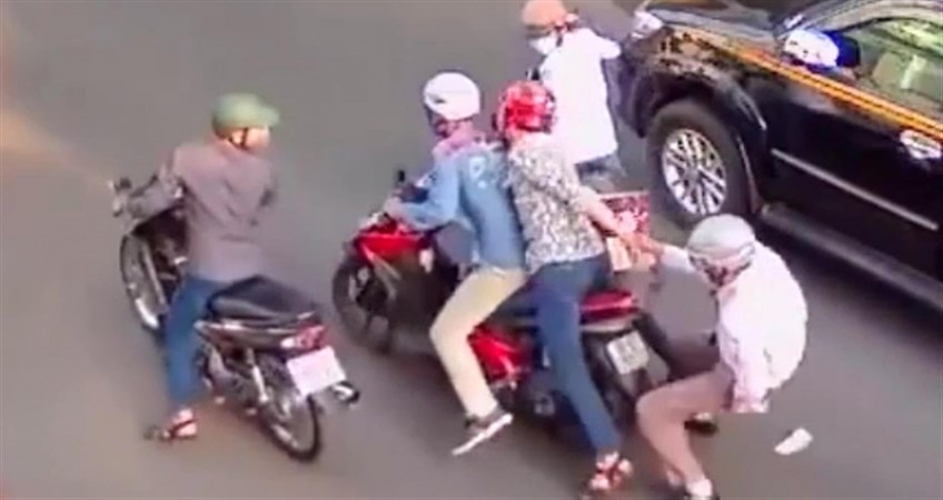 Bag Snatchers in saigon