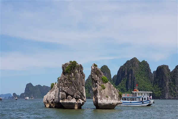 Travel the waters of Vietnam