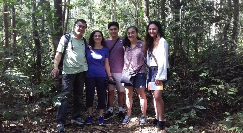 vietnam family tour at cu chi tunnels