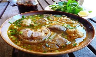 Bún Bò Huế ( vermicelli with beef)