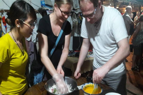 How to make traditional Vietnamese food on your vacation