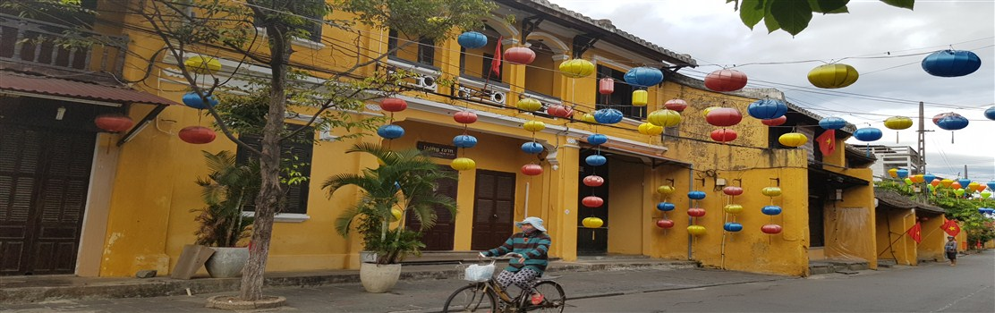 solo travel in hoi an vietnam