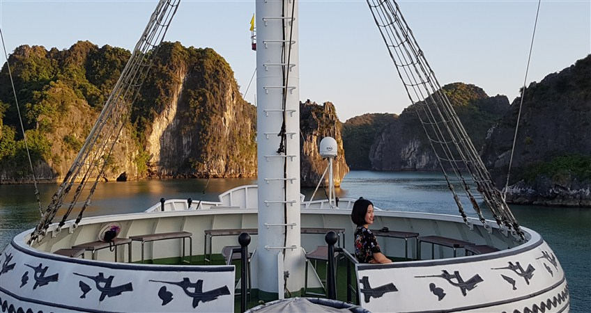 halong cruise vietnam in one week