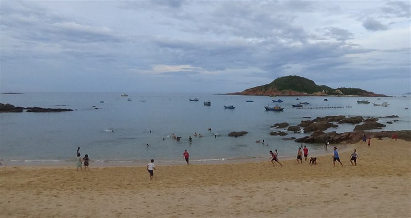 beaches on vietnam travel