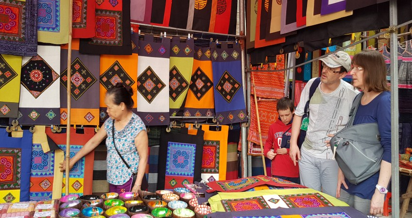 shopping in vietnam bac ha market