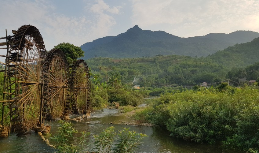 water wheels at chieng lau village in pu luong