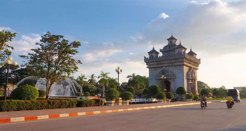 places to visit in vientiane