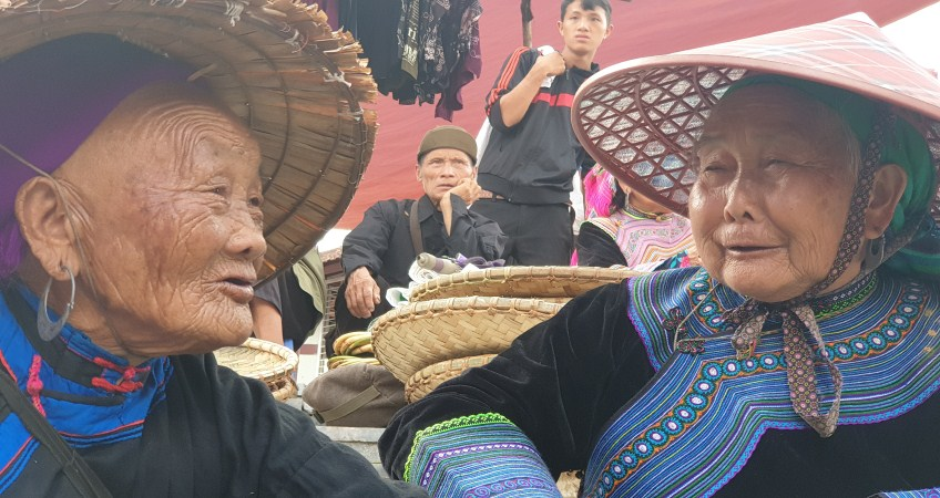 bac ha market photo tour