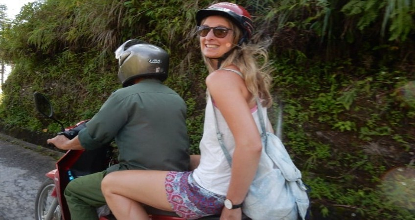 tourist riding motorbike in vietnam