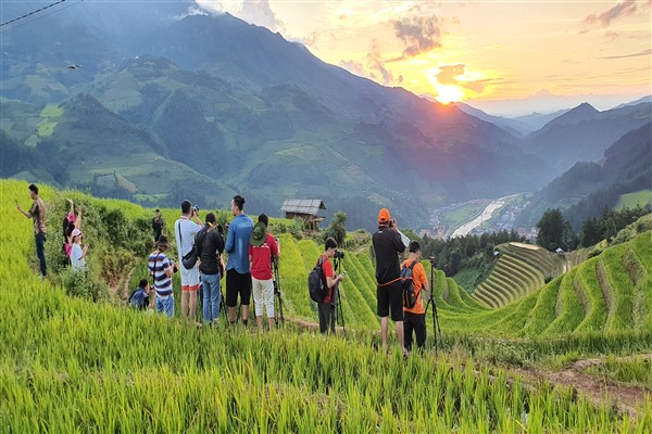 When will Vietnam open for tourists?