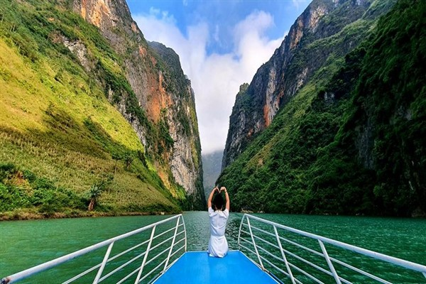 Vietnam tourism 2021: Links, Action and Development