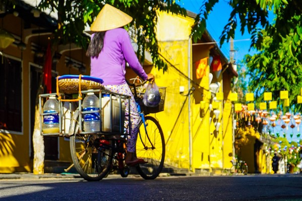 Vietnam plans to fully resume tourism in 2022