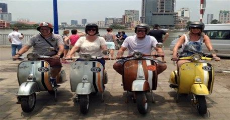 SM11: Ho Chi Minh vespa tour
