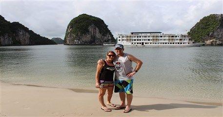 HL11: Halong honeymoon cruise