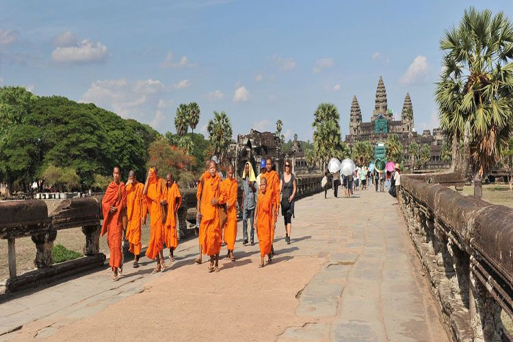 5 reasons travelers should travel to Cambodia