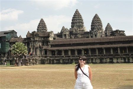 Indochina tour package to Angkor temples