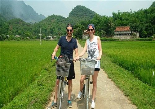 The UK tourists guide to North Vietnam