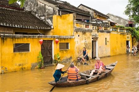Hoi An tour in flood
