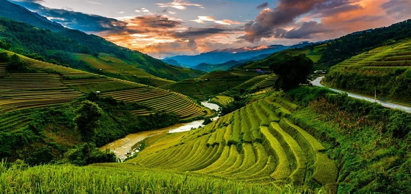 adventure tour in vietnam
