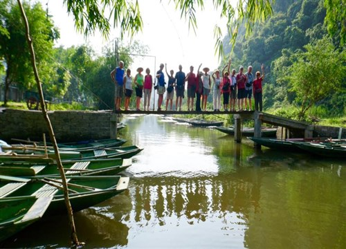 Share your memories with a Vietnam group tour