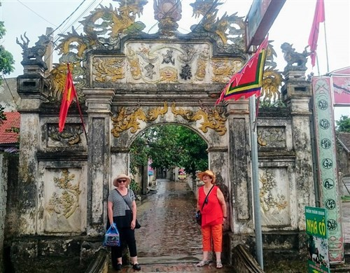 Should I travel Vietnam without a travel agency