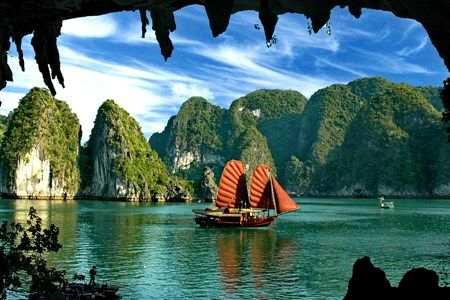 Viet Nam tourism promoted to the world via cinema