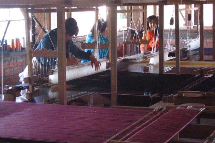 Stung Treng's Silk Weaving Center