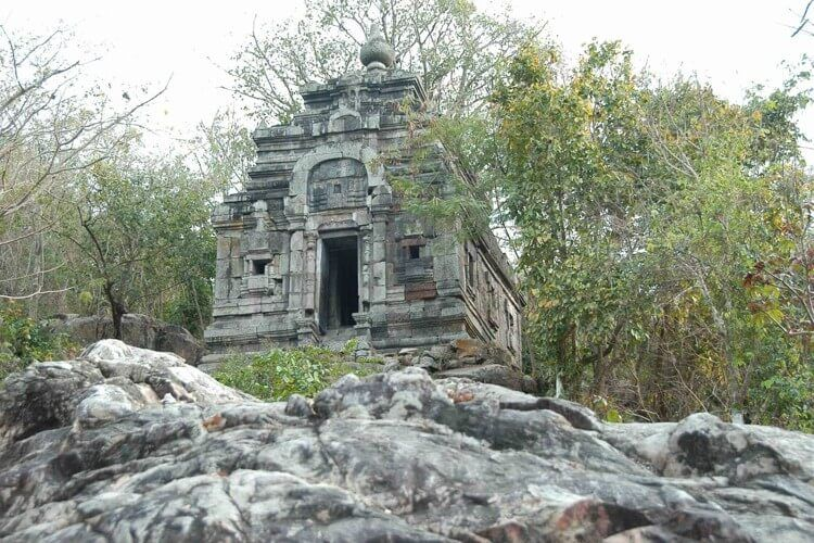 Wat Phnom Robath