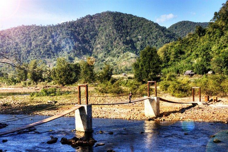 Meander to Muang La