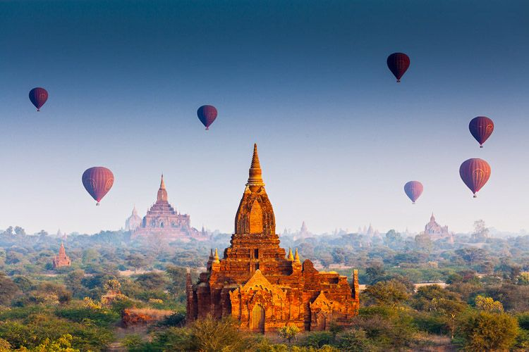 Air Ballooning over Bagan