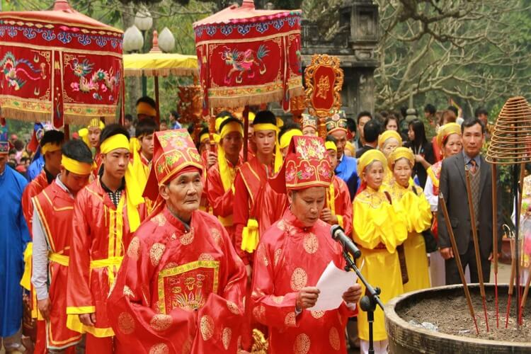 Giong Festival at Phu Dong and Soc temples