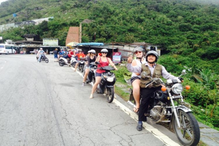 Doing A Hai Van Pass Motorcycle Tour