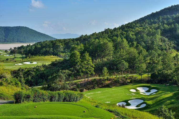 Golf in Dalat