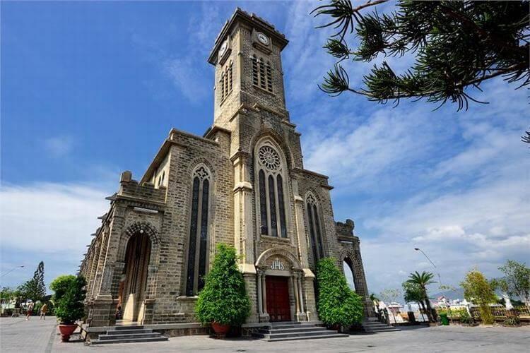 Na Thrang Cathedral