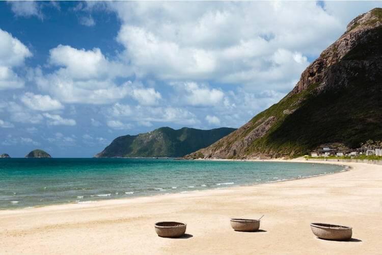 Dam Trau Beach in Con Dao island in Vietnam tour