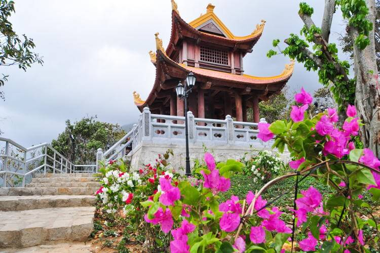 Van Son Pagoda in Con Dao in Vietnam tour