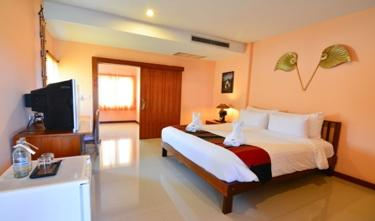 Maikhaew Damnoen Resort