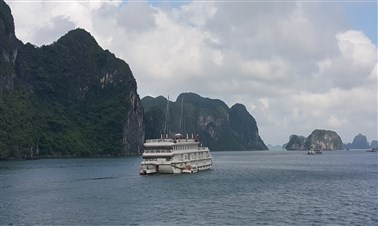 Cruise in Halong